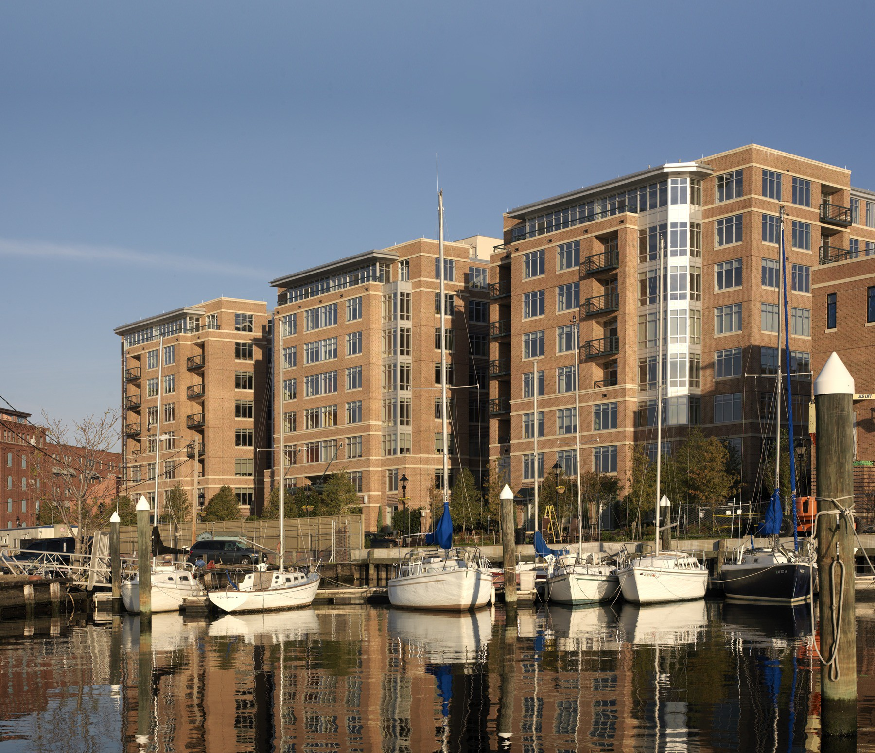 Fells Point Apartments: The Crescent At Fells Point