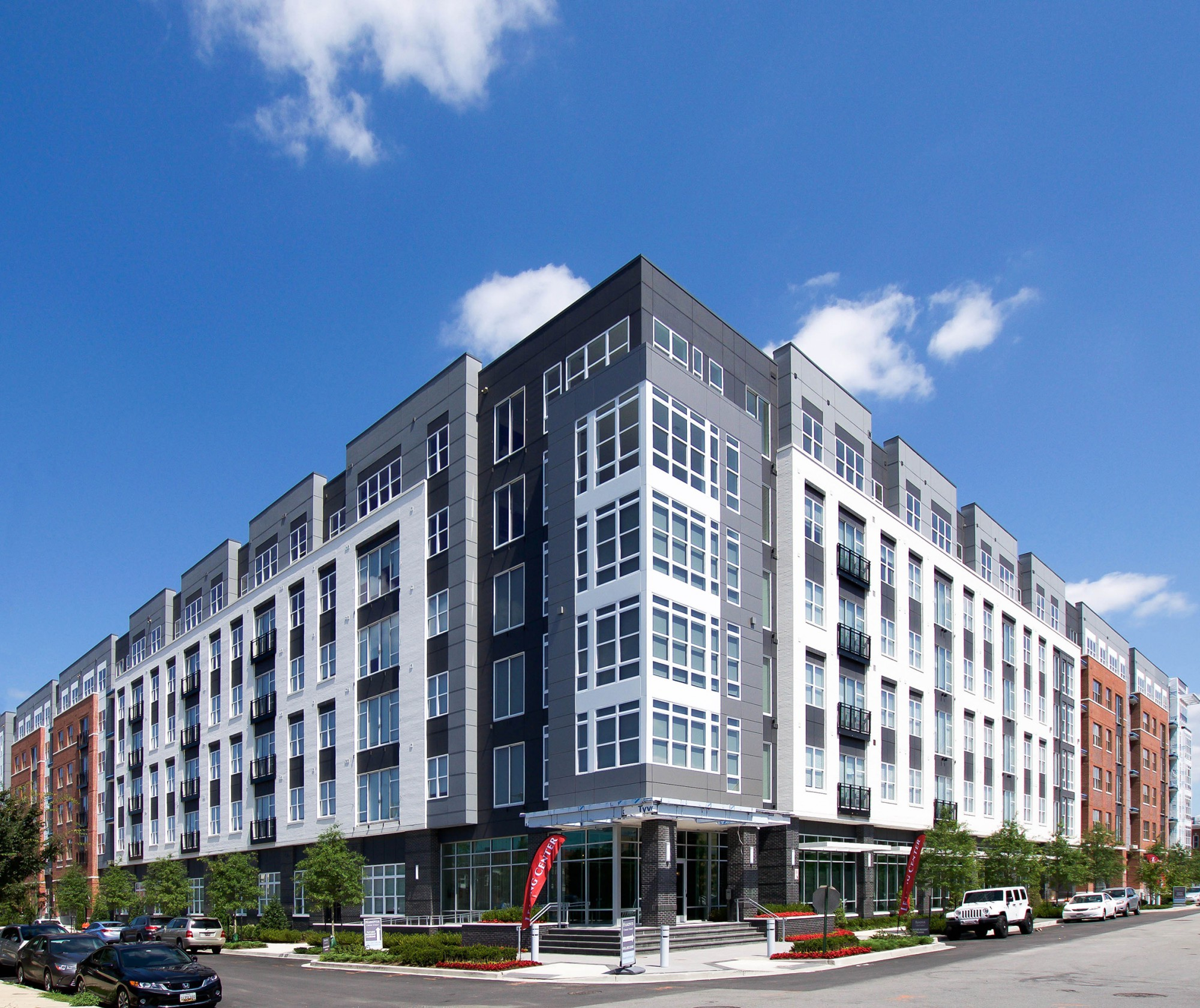 Mission Valley Apartments: Hanover Cross Street · Portfolio