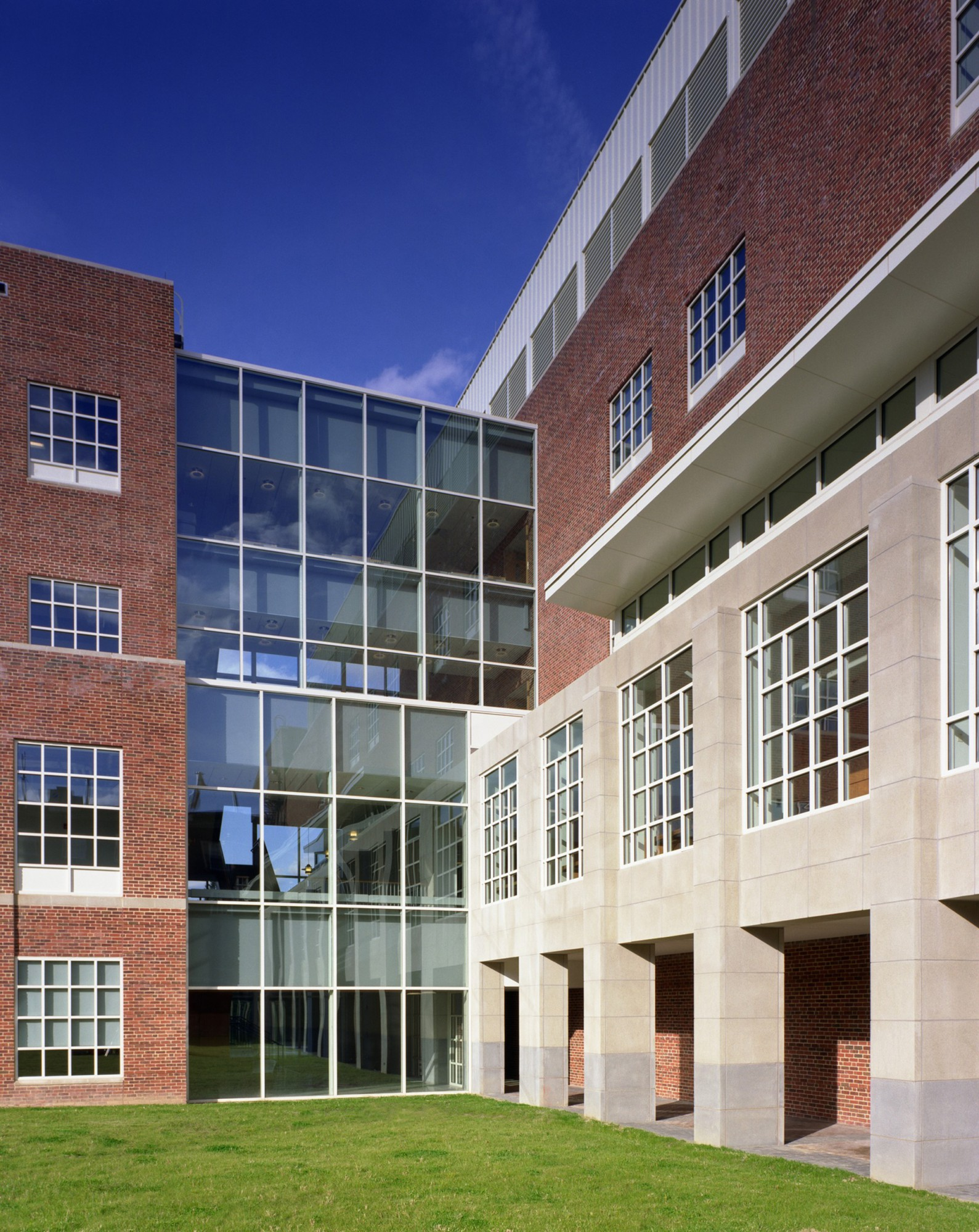Coppin State University >> University of Maryland, College Park - Chemistry Building